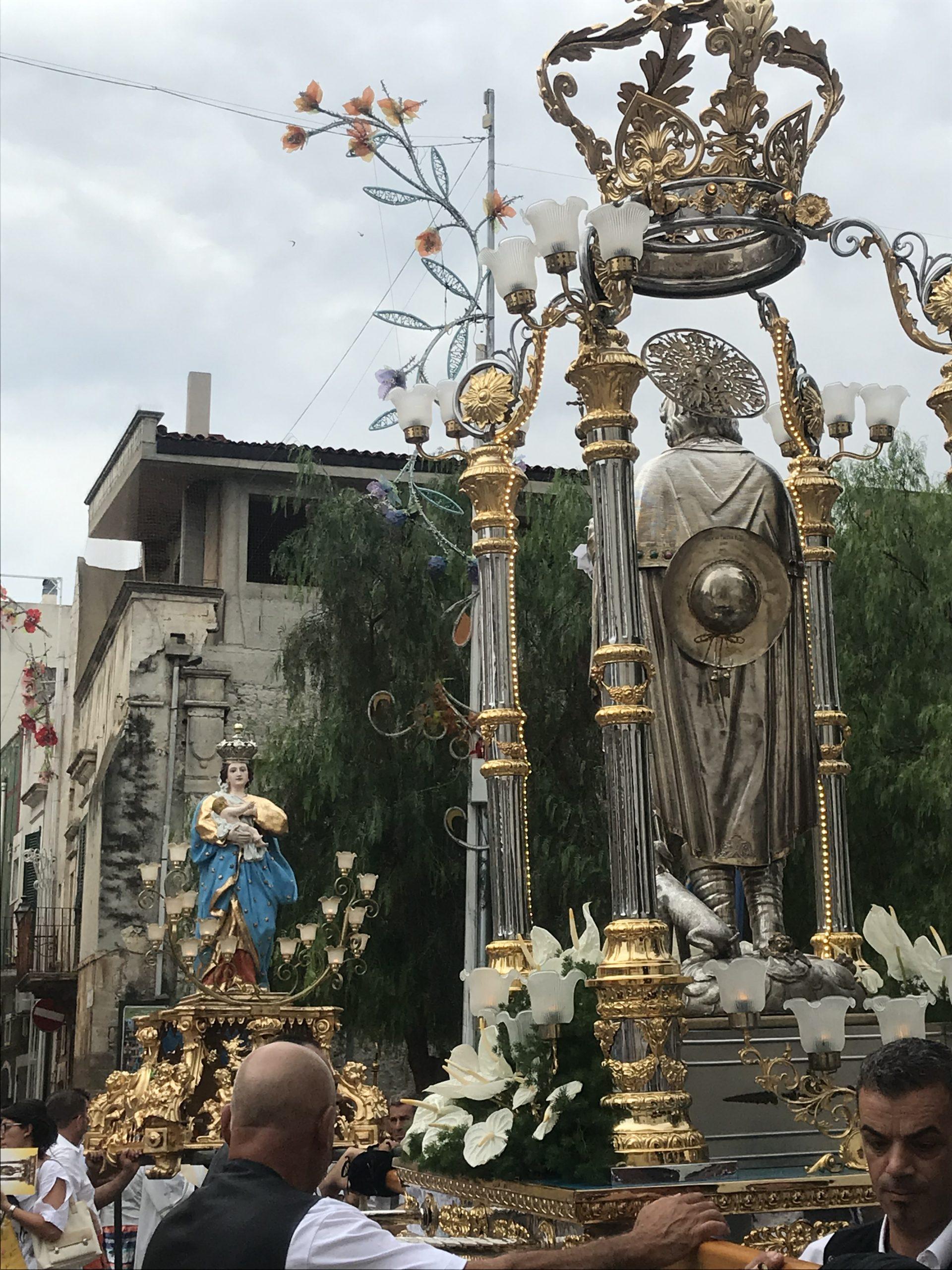 Non chiamatela solo Tradizione. Cronache di Festa Patronale – Il Lupo e la Rondine